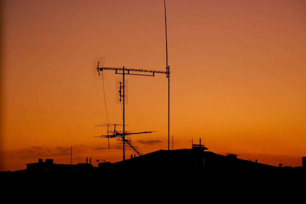 Antenna on top of roof top
